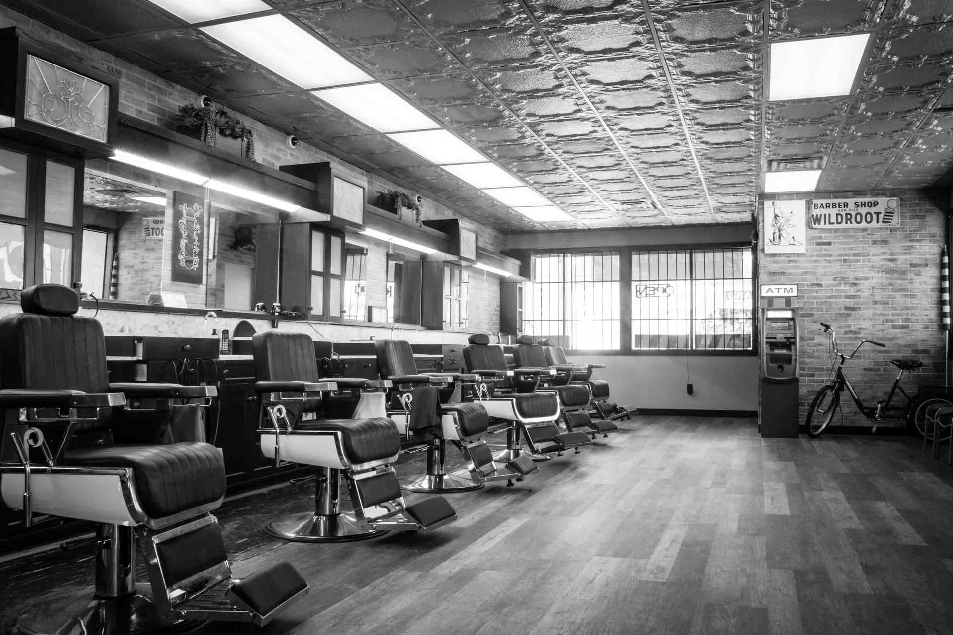 American Deluxe Barbershop Old Fashioned Luxury At Family Prices